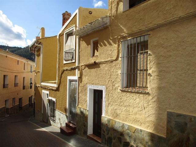 Piso en venta en Esquibien, Liétor, Albacete, Calle Hoyo del Moro, 55.100 €, 5 habitaciones, 2 baños, 216 m2