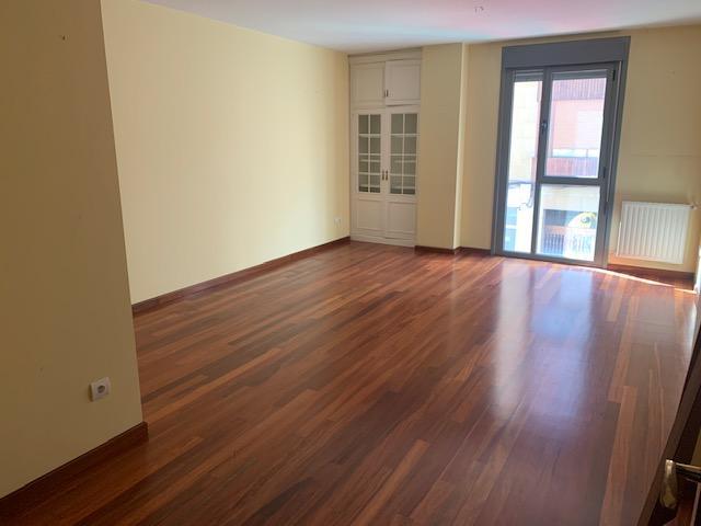 Piso en venta en Villaviciosa, Asturias, Calle Carmen, 108.500 €, 2 habitaciones, 2 baños, 111 m2