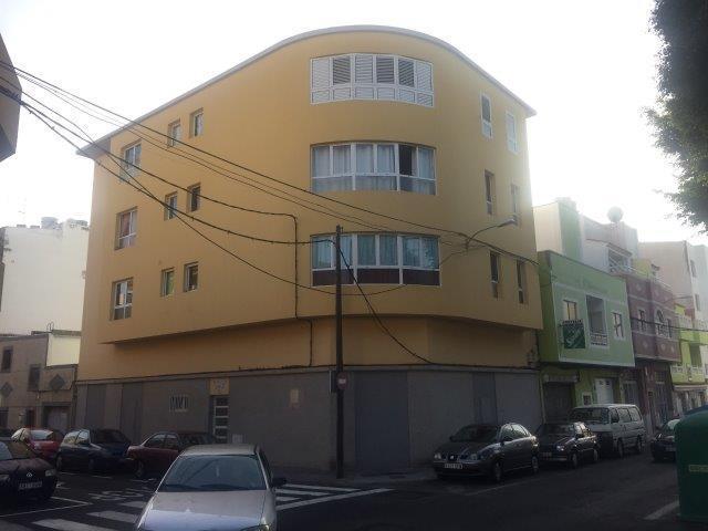 Piso en venta en Santa Lucía de Tirajana, Las Palmas, Calle Islas Malvinas, 81.000 €, 2 habitaciones, 1 baño, 67 m2