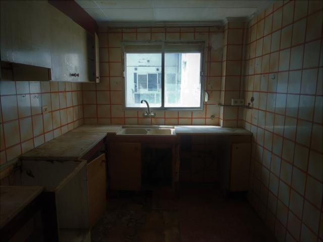 Piso en venta en Piso en Alginet, Valencia, 40.000 €, 3 habitaciones, 2 baños, 110 m2