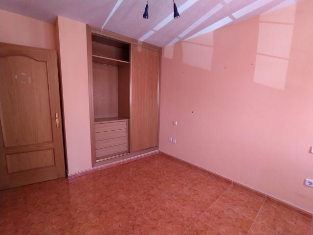 Piso en venta en Piso en Valdemoro, Madrid, 140.000 €, 2 habitaciones, 1 baño, 84 m2, Garaje