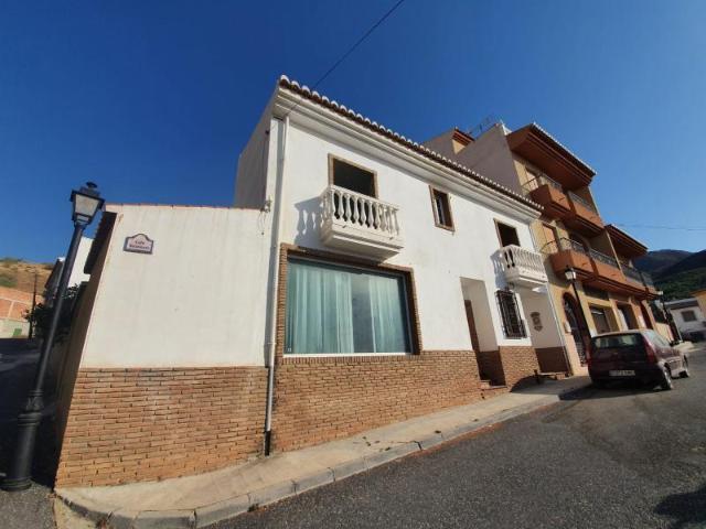 Casa en venta en Casa en Molvízar, Granada, 135.000 €, 3 habitaciones, 3 baños, 166 m2