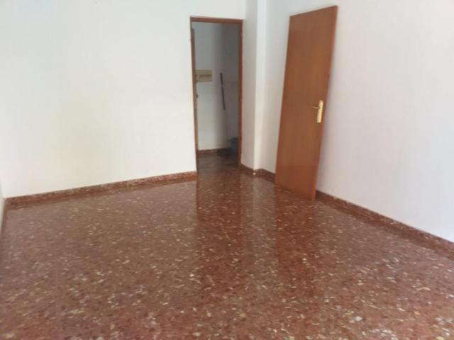 Piso en venta en Piso en Loja, Granada, 64.800 €, 4 habitaciones, 1 baño, 99 m2