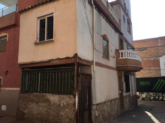 Casa en venta en Granada, Granada, Calle Melchor de Guevara, 54.500 €, 3 habitaciones, 1 baño, 102 m2