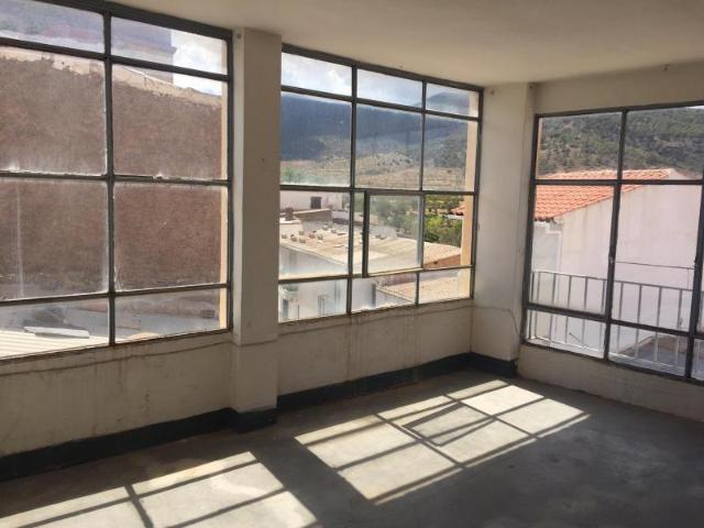 Piso en venta en Piso en Ferreira, Granada, 50.000 €, 372 m2