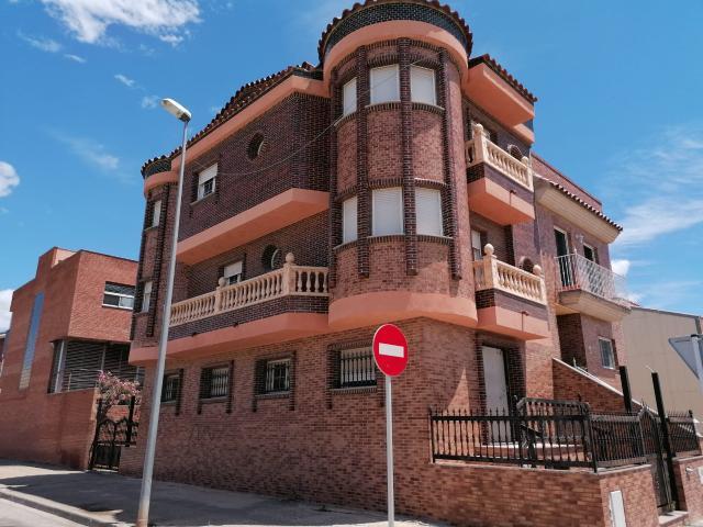 Piso en venta en Mas de Miralles, Amposta, Tarragona, Calle la Palmas, 190.600 €, 6 habitaciones, 4 baños, 217 m2