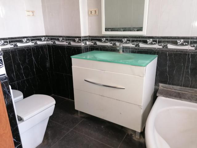 Piso en venta en Piso en Amposta, Tarragona, 175.600 €, 6 habitaciones, 4 baños, 217 m2