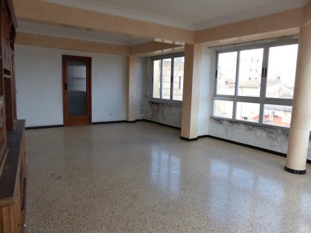 Piso en venta en Piso en Inca, Baleares, 112.500 €, 4 habitaciones, 1 baño, 147 m2
