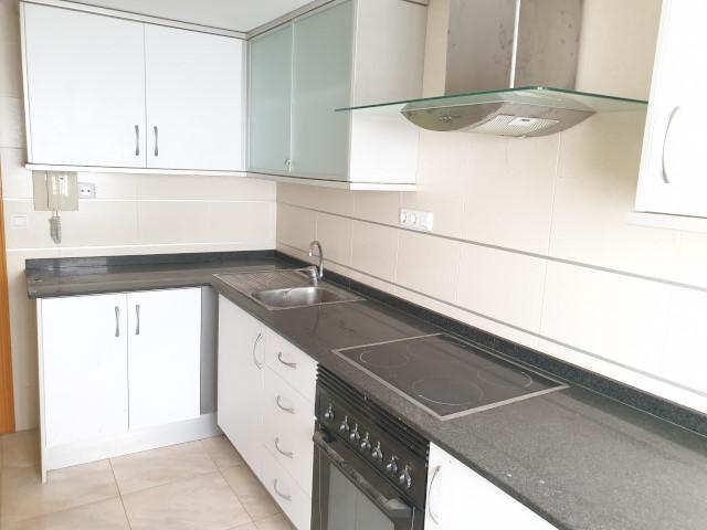 Piso en venta en Piso en Gandia, Valencia, 69.154 €, 3 habitaciones, 1 baño, 137 m2