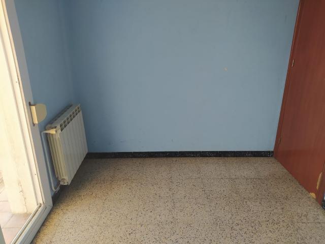 Piso en venta en Piso en Mollerussa, Lleida, 45.000 €, 4 habitaciones, 1 baño, 101 m2