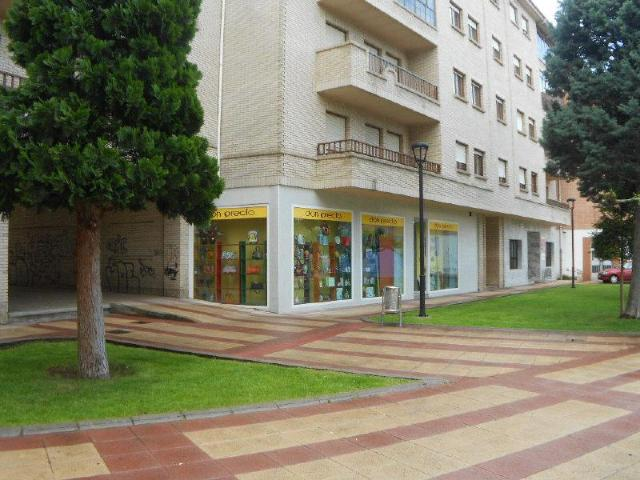 Local en venta en Local en la Robla, León, 89.000 €, 260 m2