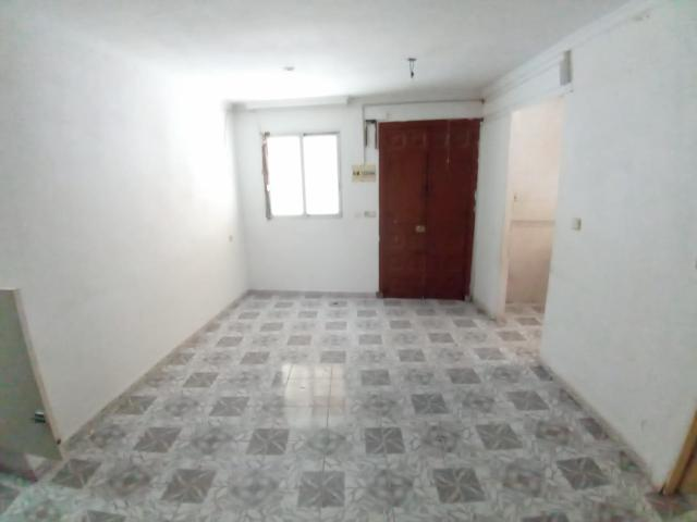 Piso en venta en Piso en Vélez-málaga, Málaga, 53.900 €, 3 habitaciones, 1 baño, 62 m2