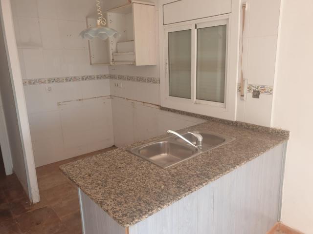 Piso en venta en Piso en Vinaròs, Castellón, 95.000 €, 2 habitaciones, 1 baño, 90 m2