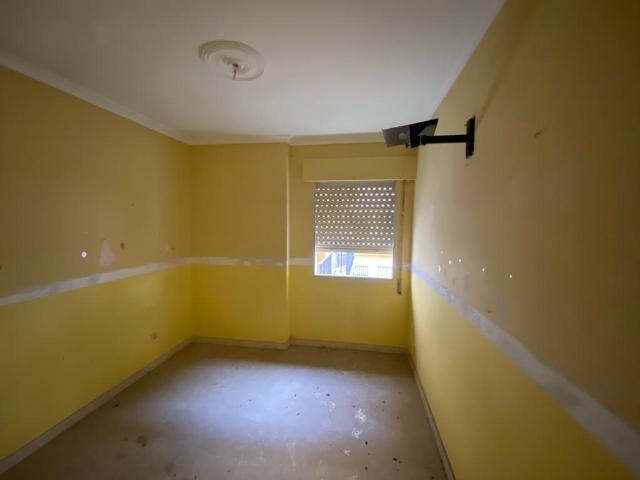 Piso en venta en Piso en los Palacios Y Villafranca, Sevilla, 88.000 €, 3 habitaciones, 2 baños, 126 m2