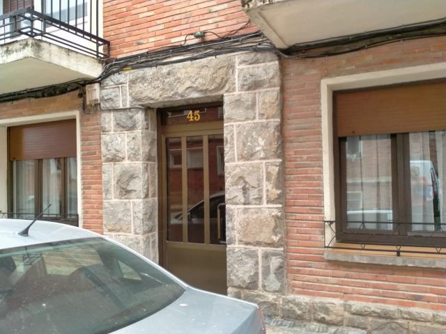 Piso en venta en Piso en Altsasu/alsasua, Navarra, 55.000 €, 3 habitaciones, 1 baño, 75 m2