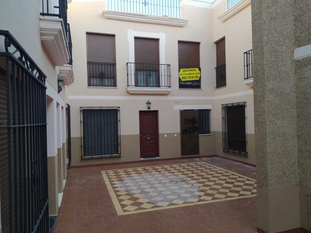 Piso en venta en Cabra, Cabra, Córdoba, Calle Redondo Marqués, 125.100 €, 3 habitaciones, 2 baños, 131 m2