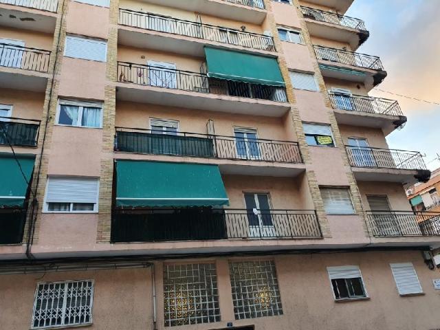 Piso en venta en Carolinas Bajas, Alicante/alacant, Alicante, Calle Farmoca, 44.200 €, 4 habitaciones, 1 baño, 86 m2
