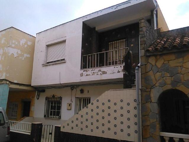 Piso en venta en Algeciras, Cádiz, Calle los Arbolitos, 53.000 €, 2 habitaciones, 1 baño, 54 m2