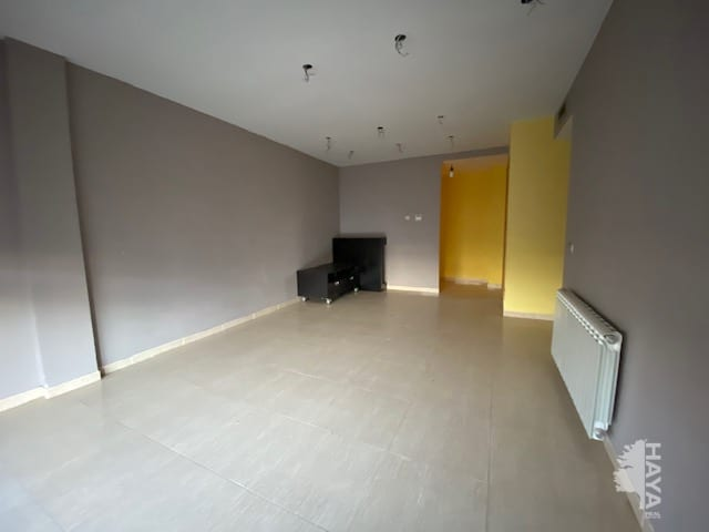 Piso en venta en Piso en Vidreres, Girona, 110.100 €, 2 habitaciones, 1 baño, 122 m2