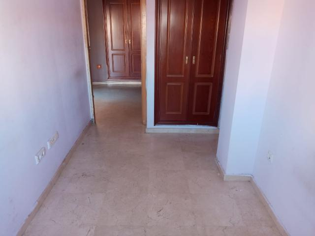 Piso en venta en Piso en Dos Hermanas, Sevilla, 118.300 €, 2 habitaciones, 1 baño, 103 m2, Garaje