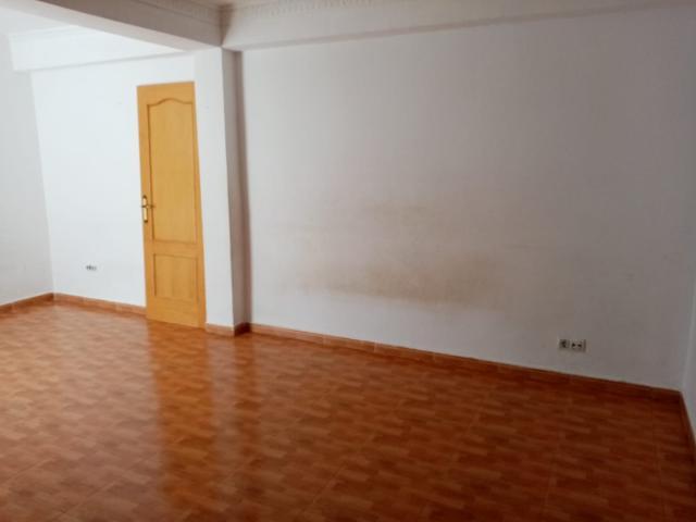 Piso en venta en Piso en Sevilla, Sevilla, 47.500 €, 2 habitaciones, 1 baño, 68 m2