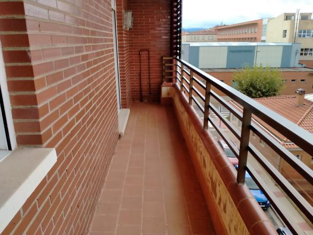 Piso en venta en Piso en Lardero, La Rioja, 94.100 €, 2 habitaciones, 2 baños, 114 m2