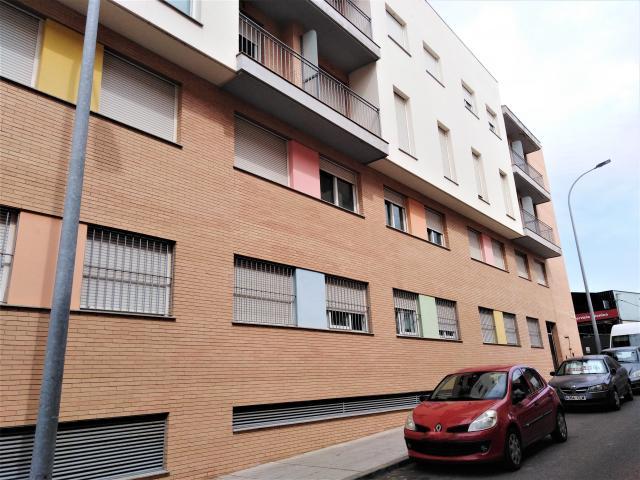 Piso en venta en Piso en Badajoz, Badajoz, 96.000 €, 118 m2