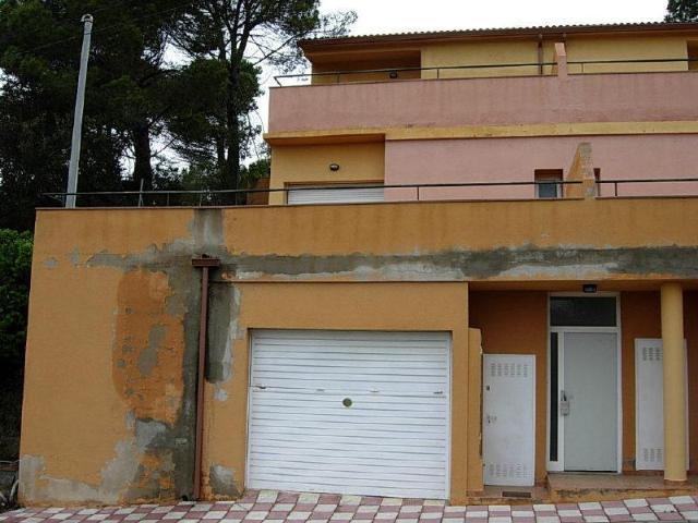 Casa en venta en Casa en Vidreres, Girona, 130.000 €, 3 habitaciones, 2 baños, 141 m2
