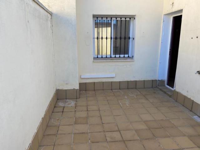 Casa en venta en Casa en Fuente de Piedra, Málaga, 65.600 €, 2 habitaciones, 2 baños, 110 m2