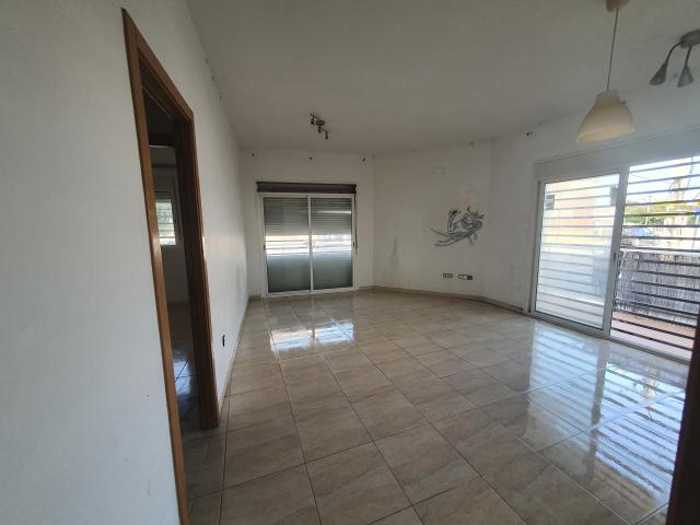 Piso en venta en Piso en Sant Jaume D`enveja, Tarragona, 68.400 €, 2 habitaciones, 2 baños, 97 m2