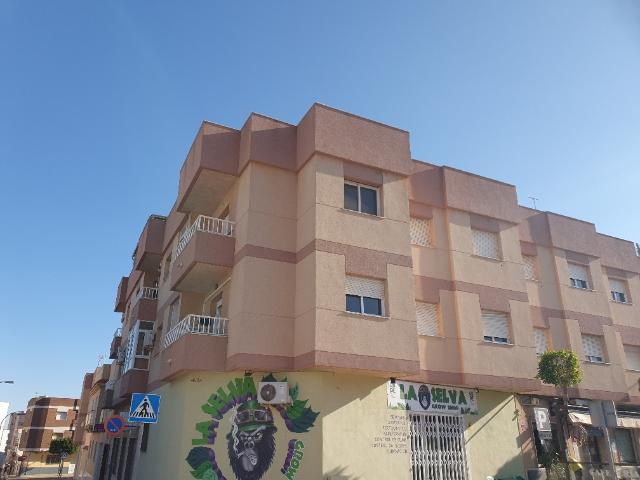 Piso en venta en Piso en El Ejido, Almería, 64.000 €, 4 habitaciones, 1 baño, 109 m2