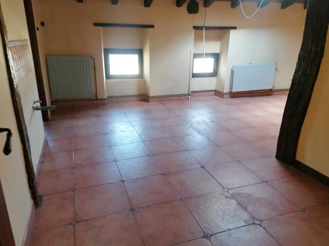 Piso en venta en Berantevilla, Álava, Calle Mayor, 145.000 €, 3 habitaciones, 3 baños, 274 m2