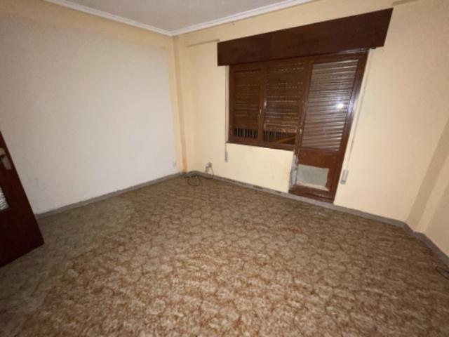 Piso en venta en Piso en Mieres, Asturias, 44.200 €, 3 habitaciones, 1 baño, 81 m2