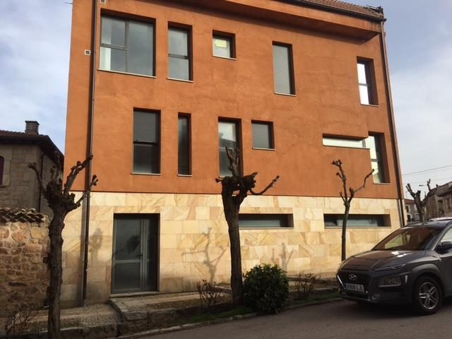 Piso en venta en Salas de los Infantes, Burgos, Calle Santa Maria, 70.600 €, 2 habitaciones, 2 baños, 126 m2