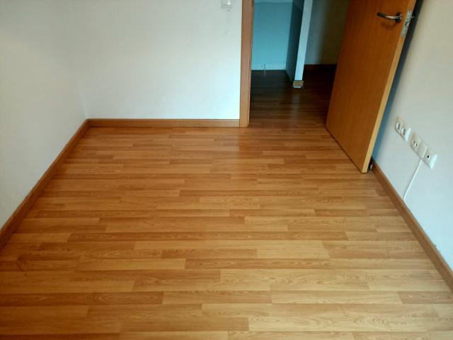 Piso en venta en Piso en Miguelturra, Ciudad Real, 73.900 €, 3 habitaciones, 2 baños, 133 m2