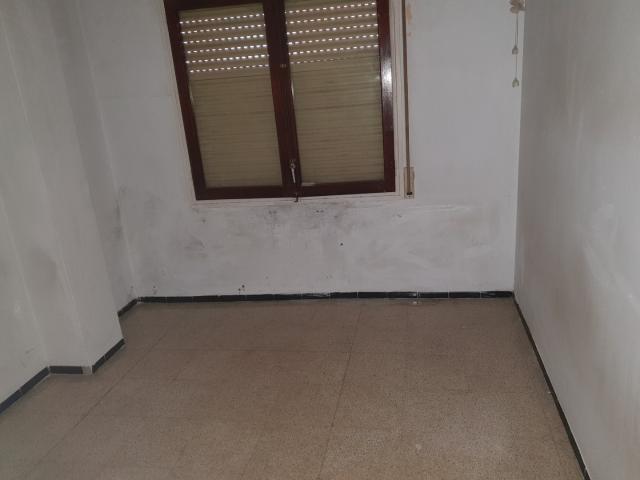 Piso en venta en Piso en Santa Coloma de Farners, Girona, 69.300 €, 3 habitaciones, 1 baño, 74 m2