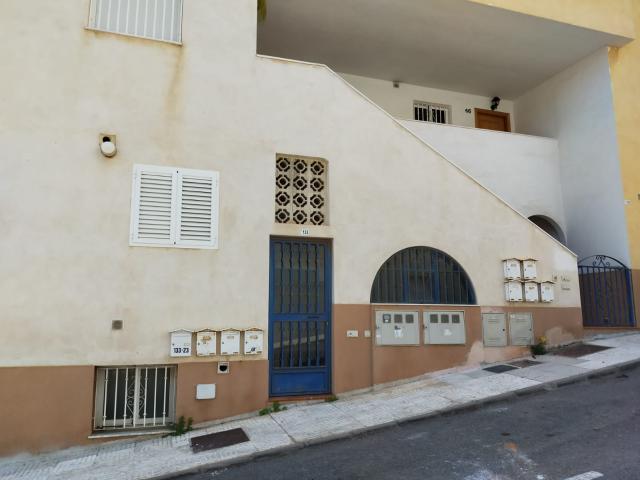 Piso en venta en Aguadulce, Roquetas de Mar, Almería, Calle Piamonte, 97.800 €, 2 habitaciones, 1 baño, 87 m2