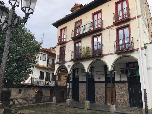 Piso en venta en Laredo, Cantabria, Plaza Marques de Albaida, 143.800 €, 4 habitaciones, 1 baño, 152 m2