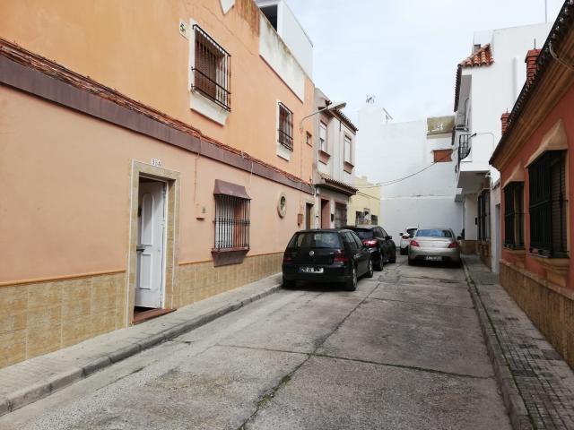 Piso en venta en Chiclana de la Frontera, Cádiz, Calle Dama de Noche, 64.600 €, 3 habitaciones, 1 baño, 76 m2