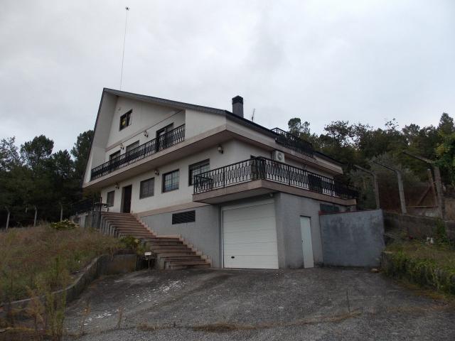 Casa en venta en San Cibrao Das Viñas, Ourense, Calle Lugar Soutopenedo, 309.400 €, 3 habitaciones, 3 baños, 480 m2