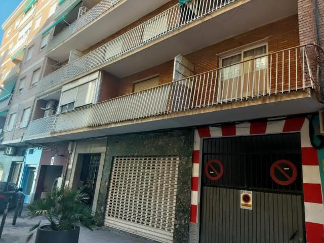 Piso en venta en Motril, Granada, Plaza Alferez Garcia Villatoro, 76.400 €, 2 habitaciones, 1 baño, 101 m2