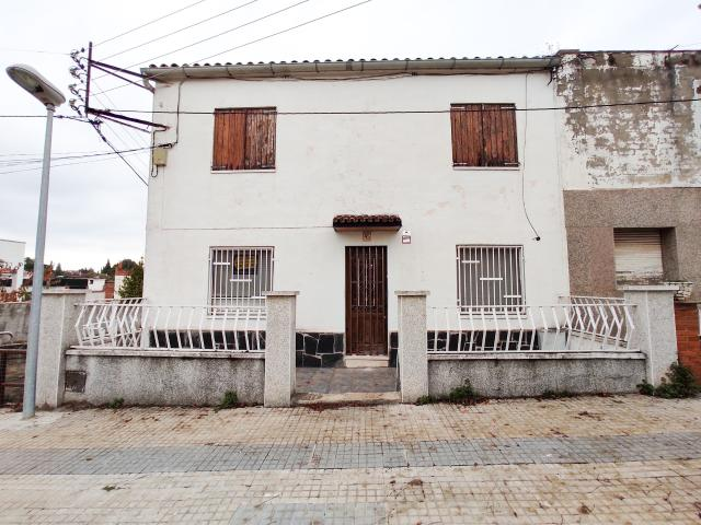 Casa en venta en Piera, Barcelona, Avenida Monserrat, 189.000 €, 200 m2