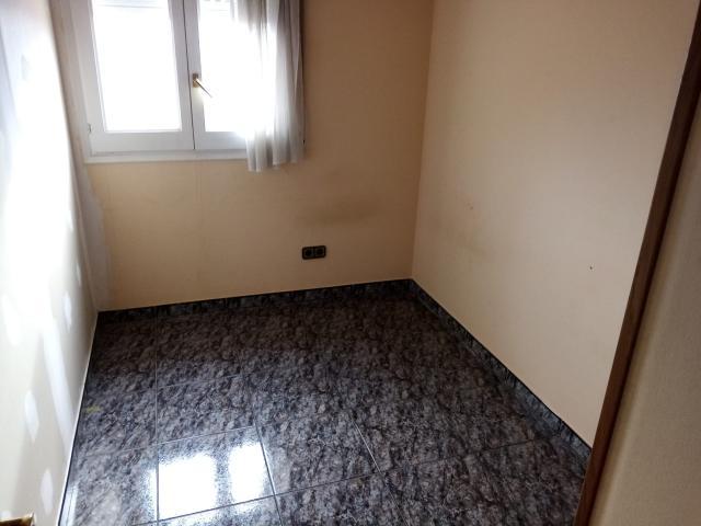 Piso en venta en Berga, Barcelona, Calle Santa Bárbara, 136.800 €, 3 habitaciones, 2 baños, 138 m2
