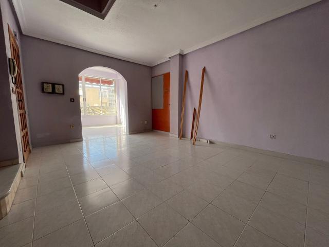 Piso en venta en Torrevieja, Alicante, Calle Diego Ramirez Pastor, 94.400 €, 3 habitaciones, 2 baños, 117 m2