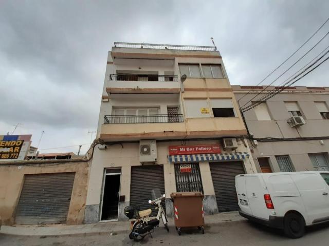 Piso en venta en Elda, Alicante, Calle Vasco de Gama, 49.800 €, 3 habitaciones, 1 baño, 110 m2