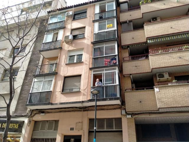 Piso en venta en Delicias, Zaragoza, Zaragoza, Calle Antonio de Santgenís, 65.000 €, 3 habitaciones, 1 baño, 79 m2