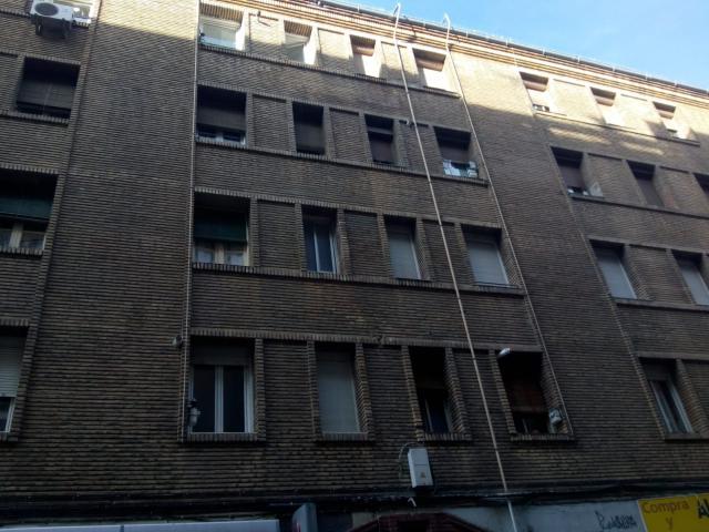 Piso en venta en Delicias, Zaragoza, Zaragoza, Calle Avila, 62.800 €, 2 habitaciones, 1 baño, 58 m2