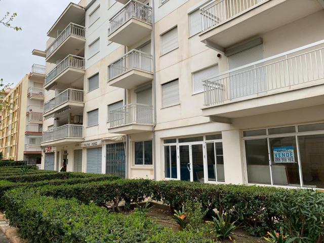 Piso en venta en Platja de Gandia / Playa de Gandía, Gandia, Valencia, Calle Formentera, 87.400 €, 3 habitaciones, 1 baño, 94 m2