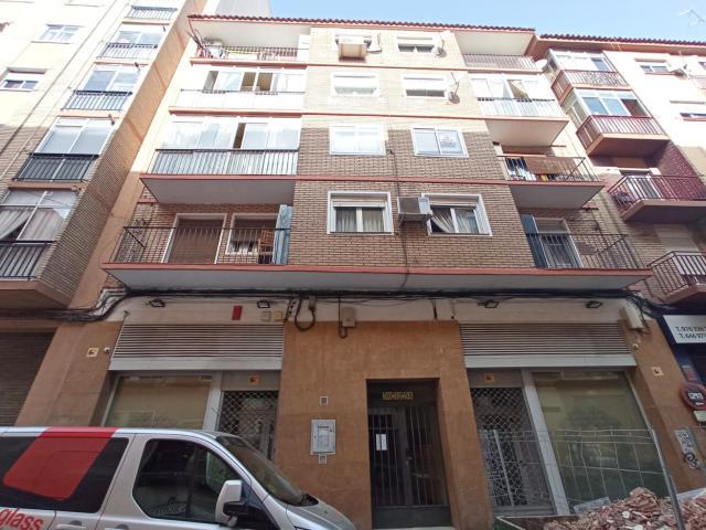 Piso en venta en La Almozara, Zaragoza, Zaragoza, Calle Reina Felicia, 63.000 €, 2 habitaciones, 1 baño, 70 m2