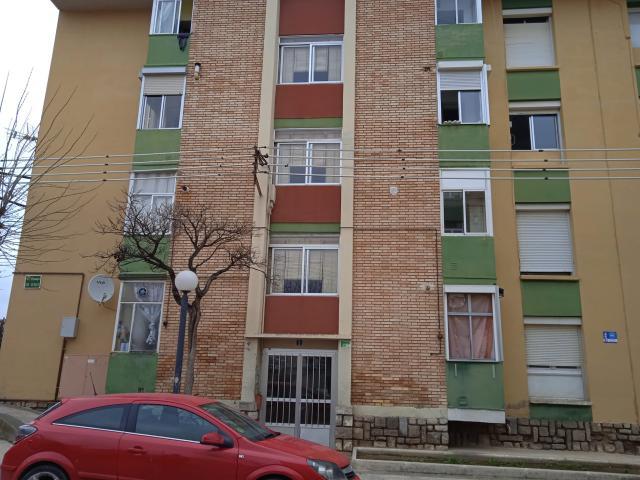 Piso en venta en Barrio del Perpetuo Socorro, Huesca, Huesca, Pasaje Rio Guarga, 27.600 €, 3 habitaciones, 1 baño, 52 m2